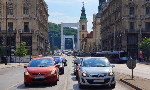 Budapest levegője a legrosszabb Európában, az ingyenes parkolás lehet az oka