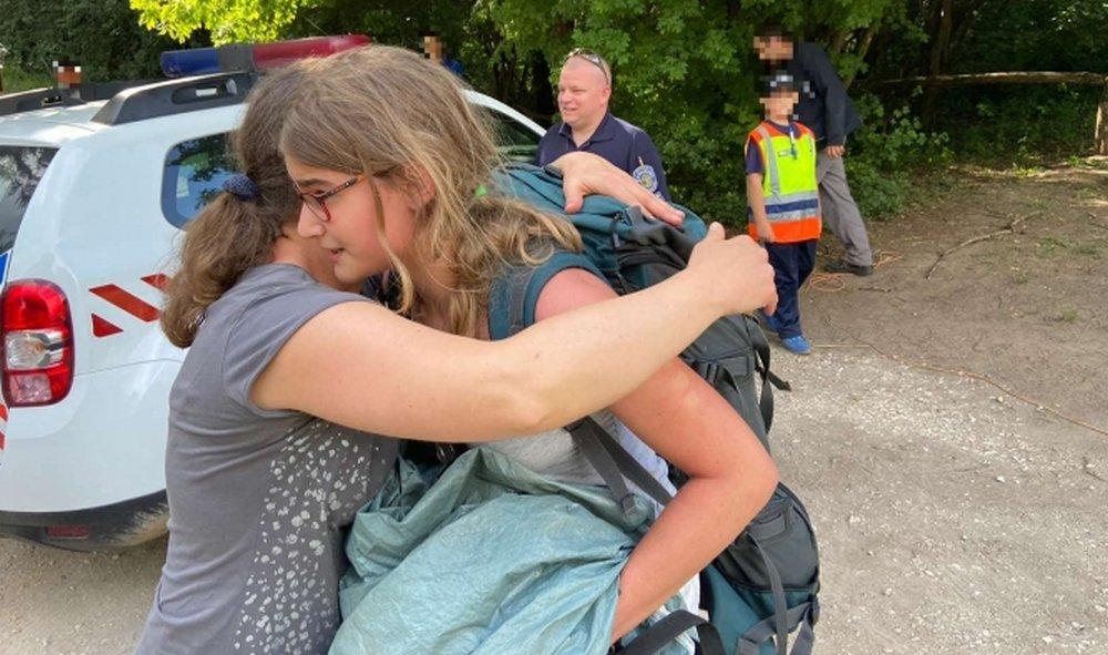 Eltűnt otthonról a pilisszentiváni lány, nyomravezető kutya talált rá