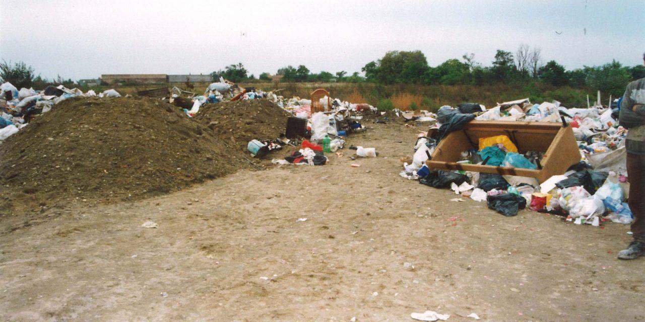 Egy monori biztonsági őrt gyanúsítanak azzal, hogy 16 évvel ezelőtt a hulladék közé dobta újszülött gyermekét