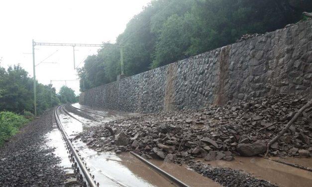 Szünetel a vasúti forgalom Nagymaros és Szob között – nem tudja a MÁV, mikor indulnak újra a vonatok