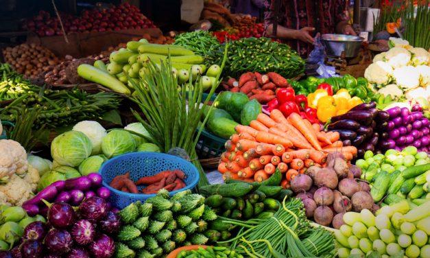Drasztikusan emelkedtek az élelmiszerárak: a zöldségeket és  a gyümölcsöket lassan nem tudjuk megfizetni