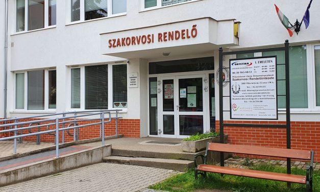 Koronavírusos lett Pilisvörösvár polgármestere és alpolgármestere is, egy születésnapi bulin fertőzöttek meg