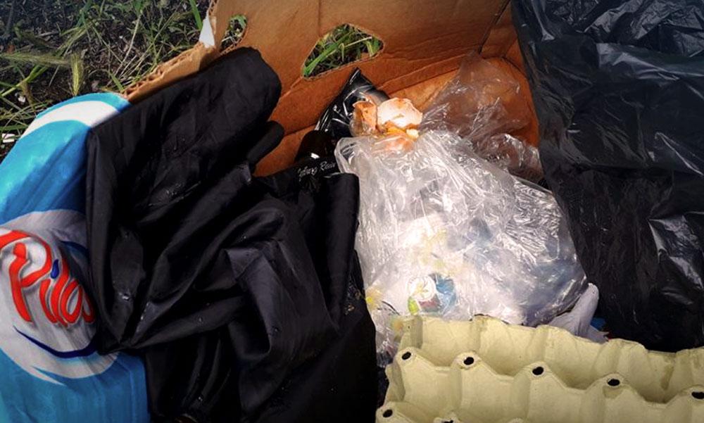 Összeszedte az illegális hulladékot egy kőbányai képviselő és a kidobott számlákból összerakta, hogy ki a szemetelő