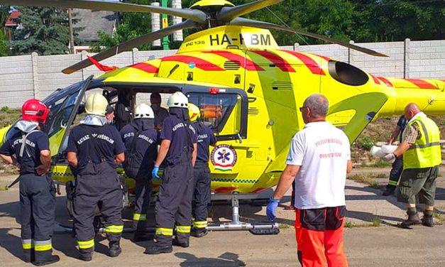 Mentőhelikopter vitte kórházba a piliscsabai vonatbaleset sérültjét – friss fotók a helyszínről