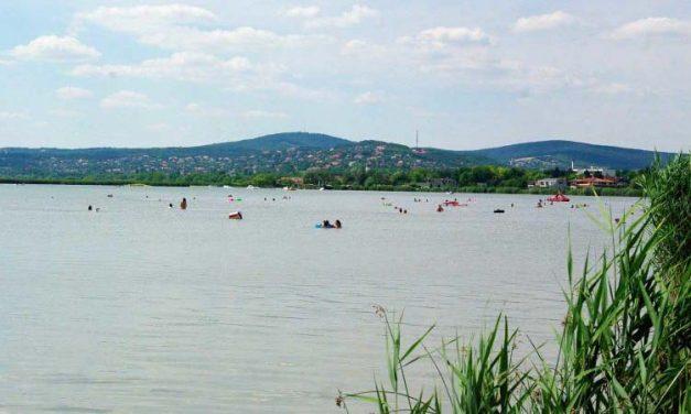 4 embert mentettek ki a Velencei-tóból