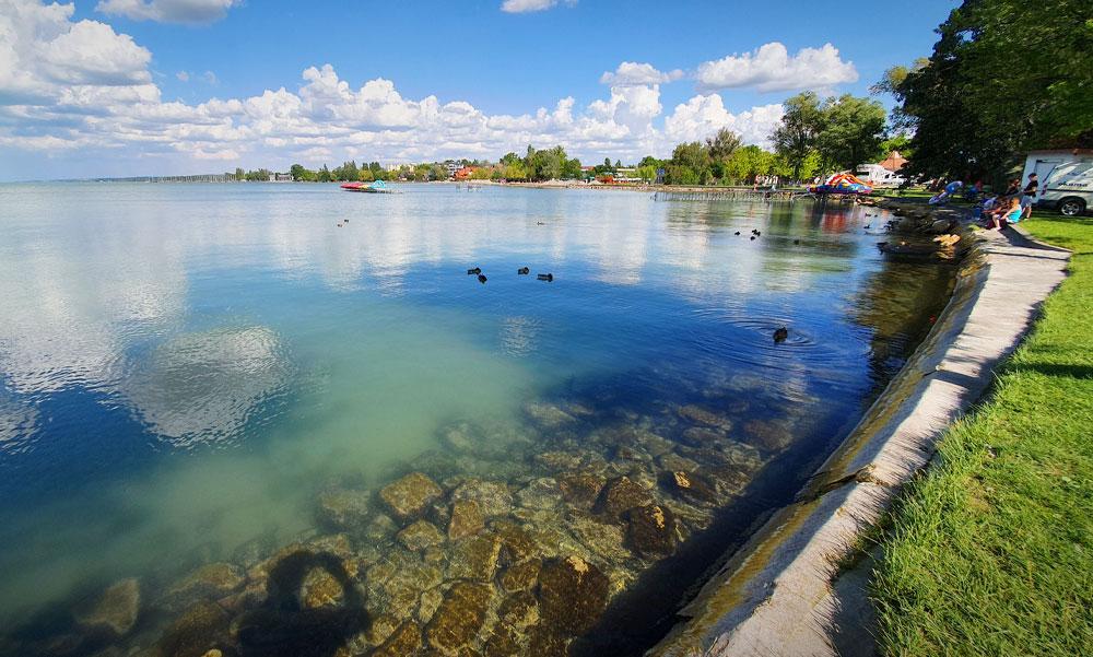 Készültséget rendeltek el a Balatonnál, nem stimmel a víz minősége