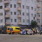 Halálos baleset Újbudán: betonkeverőbe hajtott egy motoros