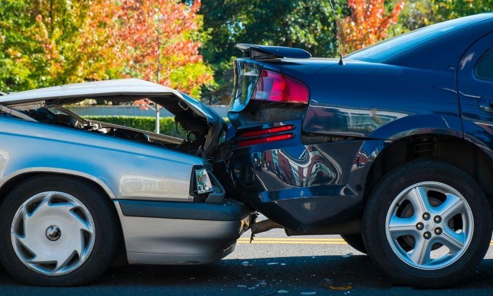 Két autó ütközött össze az 5. kerületben – Torlódásra kell számítani, többen meg is sérültek
