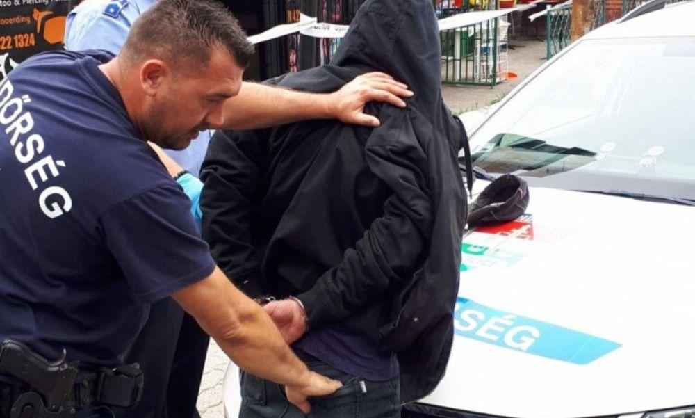 Késsel fenyegették meg az eladót aztán kirabolták a budai kisboltot