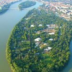 Megvédték a Hajógyári szigetet a luxusterepjárósoktól, győzelemről beszél a főpolgármester