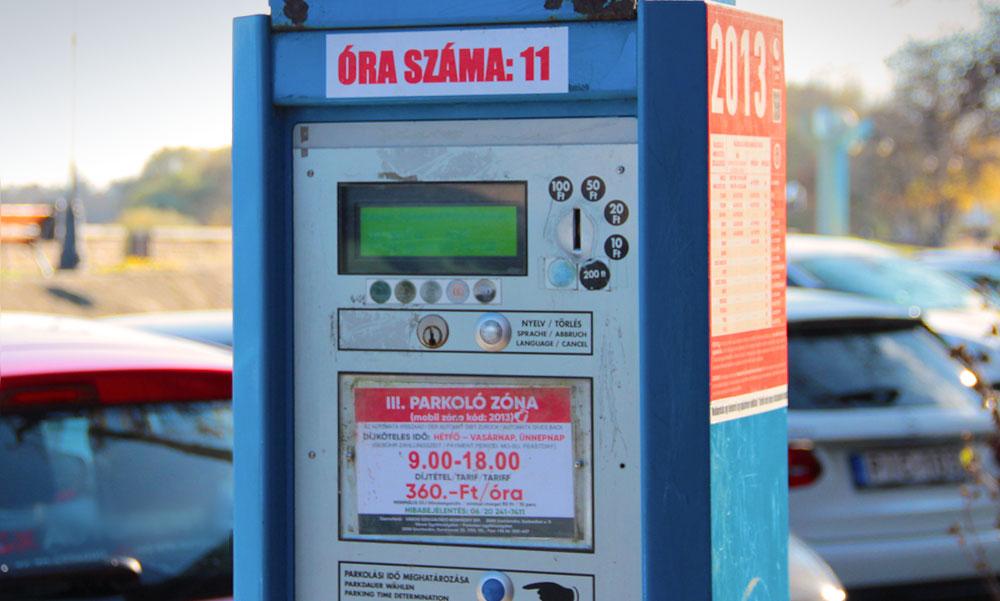 Káosz a parkolási díjakkal: Még nem kellett volna, mégis pénzt szedtek az autósoktól