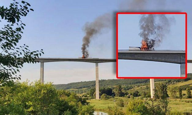 Óriási lángokkal ég egy kamion a balatoni viadukton