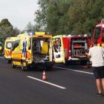 Súlyos baleset miatt lezárták az M7-est, Újpesten villamos ütközött egy autóval