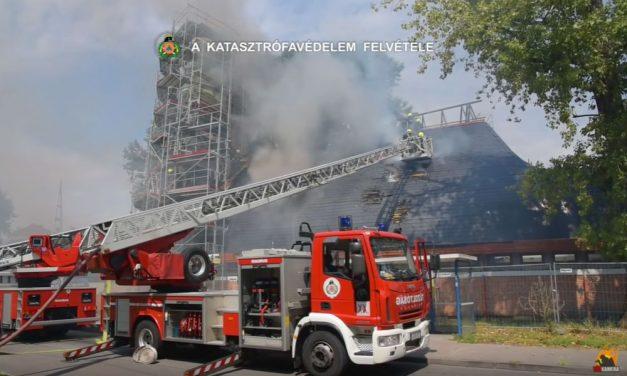 Óriási lángokkal égett a Makovecz-templom Pesterzsébeten