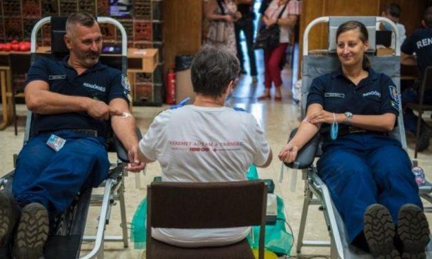 Kevés a vér – a budapesti rendőrök azonnal cselekedtek