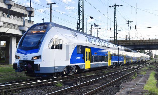 Már a ceglédi vonalon is KISS emeletes vonatokkal utazhatunk