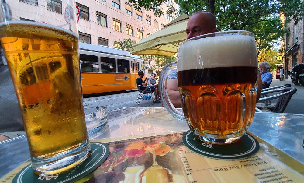 """""""Minden önkormányzati vendéglátóhely bérleti díját engedjék el visszamenőleg is"""" – ezt javasolja a Budapesti Kereskedelmi és Iparkamara, a sztárséf szerint a fővárosi étteremek fele meg fog szűnni"""