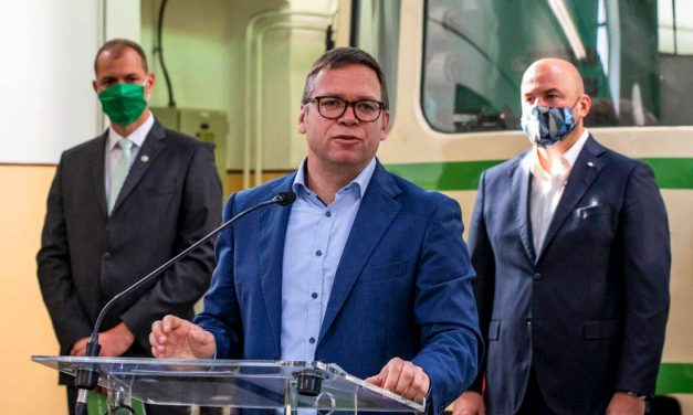 Fürjes államtitkár szerint a kormánynak támogatnia kell Budapestet, de nem gyámkodhat felette