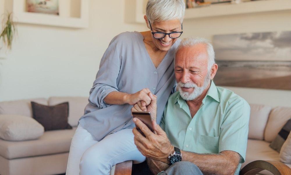 Kiderült: Ennyi plusz pénzt kapnak a nyugdíjasok
