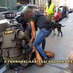 Drogbandára törték rá az ajtót a rendőrök a 7. kerületben, kokain tömbösítéséhez használt prés volt a szoba közepén