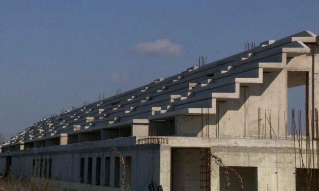 Szétlopták a soha el nem készült szigetszentmiklósi stadiont: 1,5 milliárdot költöttek rá