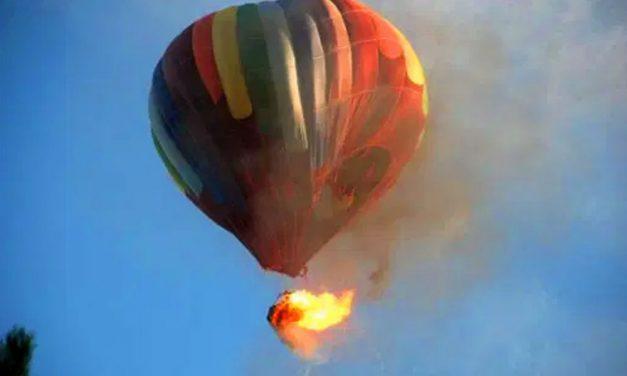 Dráma az égbolton: Kigyulladt egy hőlégballon az M7-es közelében, egy ember meghalt