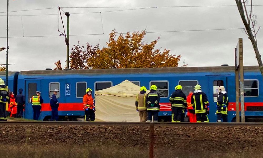 Elgázolt egy embert a vonat Dunakeszinél, leállt a forgalom a váci vonalon