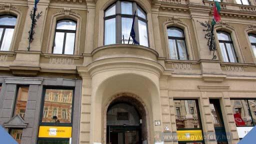 Ellepték a nyomozók a 7. kerületi városházát: bitcoinbányát üzemeltetett a polgármesteri hivatalban az egyik képviselő