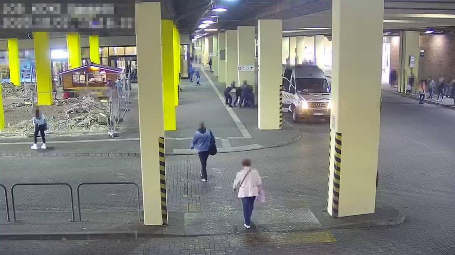 Most jött: Rendőröket ért támadás Budapesten