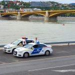 Dunába ugrott egy férfi a Margit hídról, a Lánchídnál emelték ki a vízirendőrök