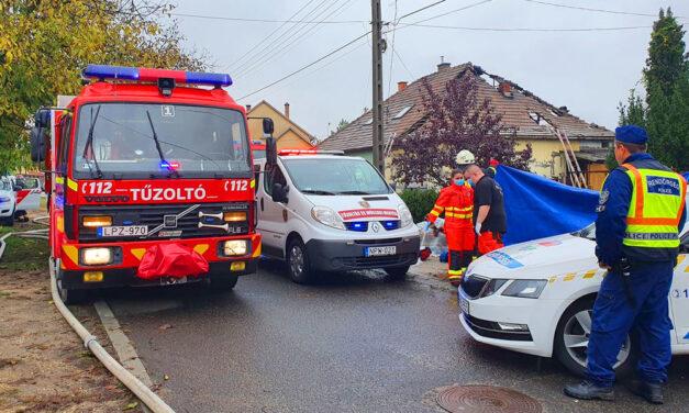 Kigyulladt egy ház Dunakeszin, a benne élő testvérpár egyik tagja nem élte túl a perzselő lángokat