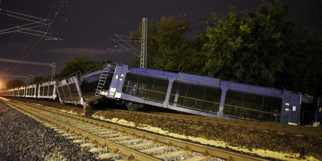 Összeütközött két vonat Magyarország legforgalmasabb vasúti hídján, nagy a baj, ideiglenes menetrendet vezetett be a MÁV