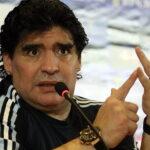 Az argentin sajtó szerint meghalt a legendás focista, Diego Maradona