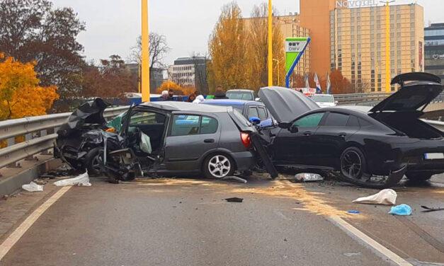 """""""Kimerevedett a sofőr arca az ütközéskor amikor belém csapódott"""" – mondta a BAH-csomópontnál balesetet szenvedett autós"""