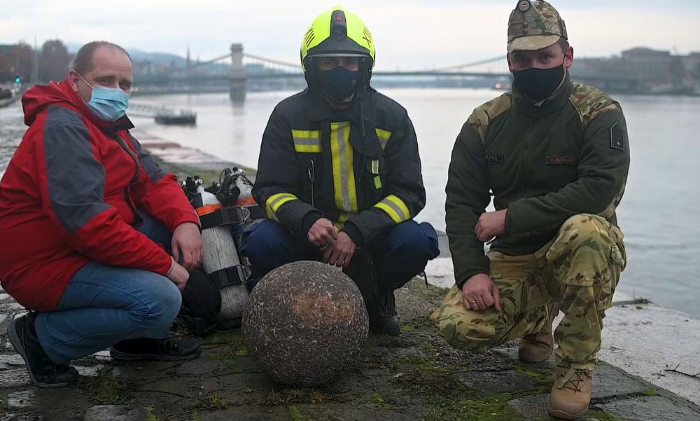 300 éves ágyúgolyó került elő a Dunából, Buda visszafoglalásakor lőhették ki a keresztény európai csapatok