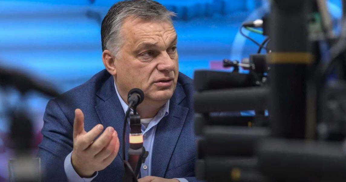 Orbán Viktor visszatért kedvenc helyszínére, majd 4 hét után újra interjút adott az állami rádiónak, szerinte az EU-tagság viszi a pénzt