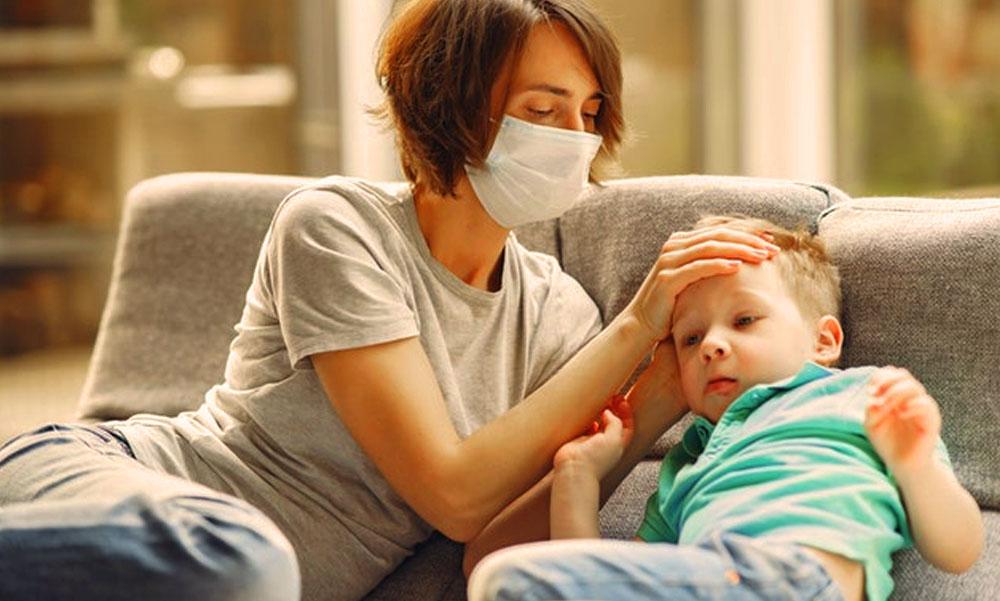 Ha elkaptad a koronavírust, így gyógyítsd magad otthon! A tüdőgyógyász főorvos elmondja a könnyen elkészíthető gyógykoktéljának receptjét