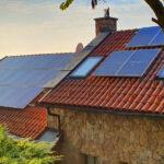 Rengeteg ingyenpénzt ígérnek a családi házak napelemeire, érdemes résen lenni