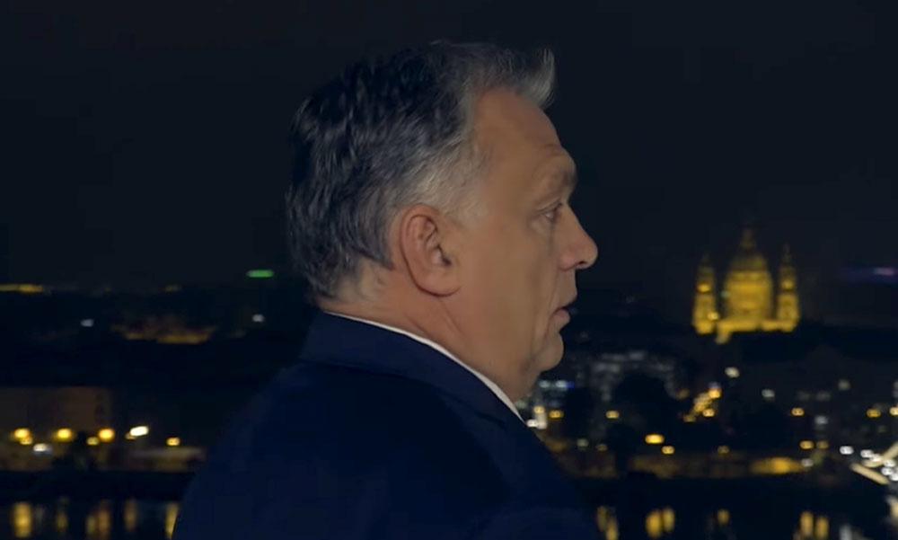 Orbán Viktor letekintett a lassan életeszélyes Lánchídra, majd köszönetet mondott