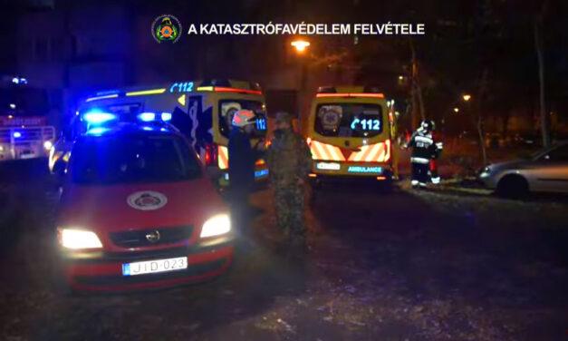 Drámai felvételek: Oxigénmaszkban mentették a lakókat a kispesti paneltűzben, nyilvánosságra hozták a mentésről készült videót