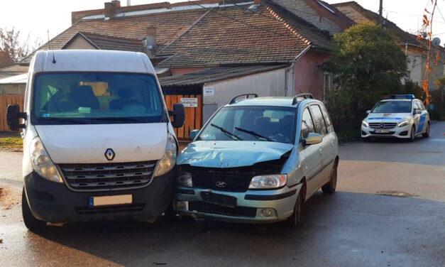 Már korán reggel piás volt a sofőr, bele is rongyolt egy furgonba Pesterzsébeten