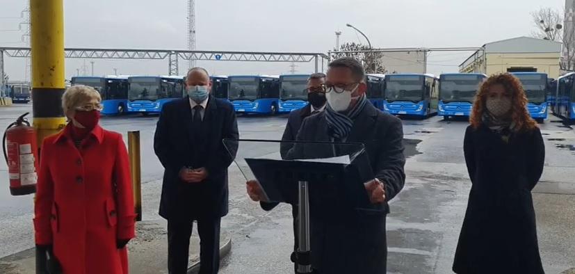 Szuperbuszokon utazhatnak a budapestiek