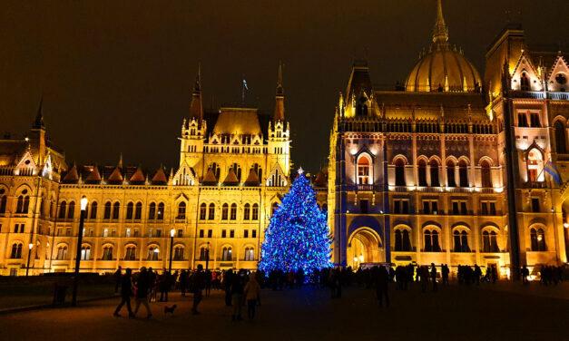 Tiltakozásul Pomázon is le akarták kapcsolni a díszvilágítást, de nem volt mit, közben Budapest látványosságai sötétbe borultak