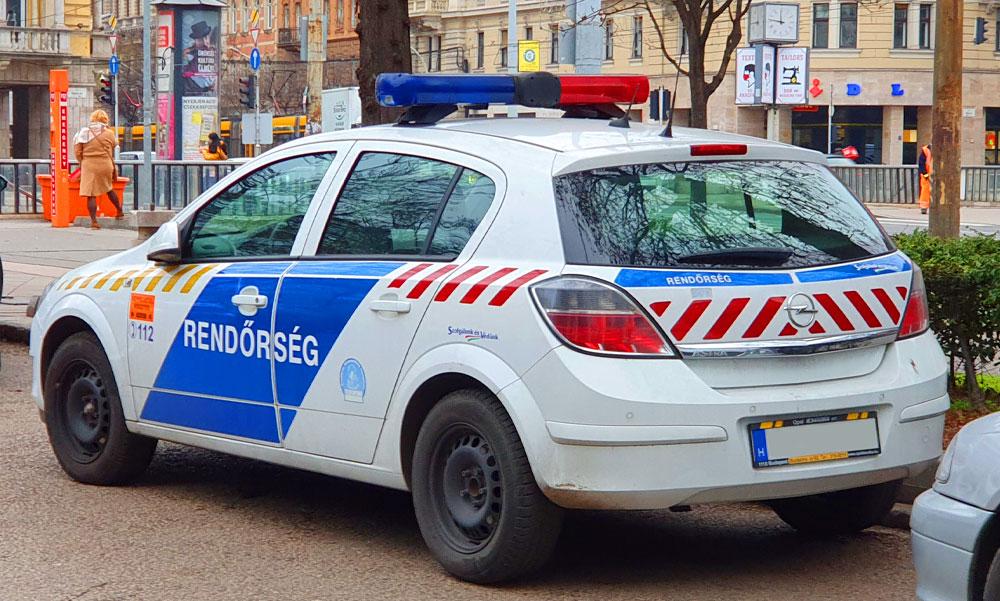 Pénzpörgetős csalót kapcsoltak le Budapesten, ügyesebbek, mint a bűvészek