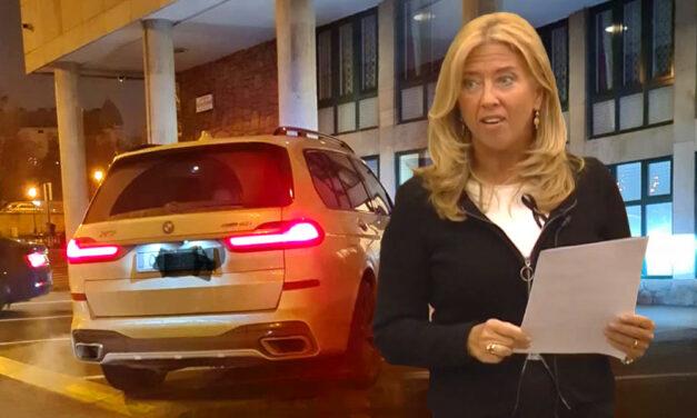 Német rendszámú luxusterepjáróval foglalt el 3 parkolóhelyet Selmeczi Gabriella, a Fidesz politikusa