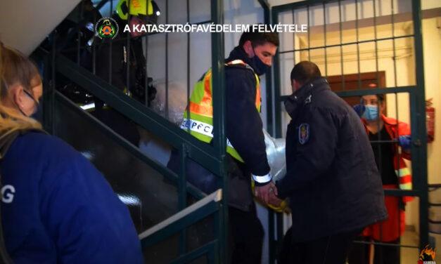 Lakástűz a 9. emeleten, életveszélyes állapotban vitték kórházba a sérültet