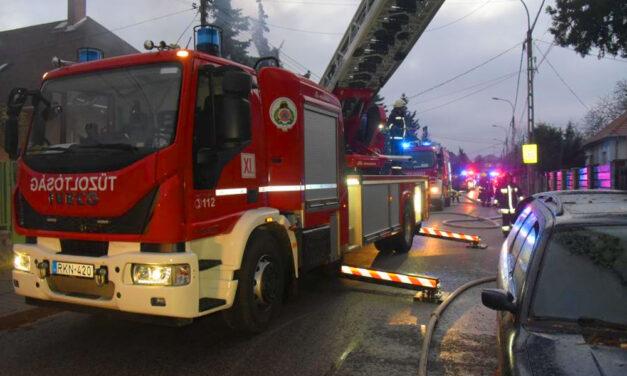 Majdnem felrobbantak a lakók, leégett a ház, a tél közepén fűtés nélkül maradtak, senki sem segített rajtuk, aztán megérkezett szenteste napján az újpesti polgármester