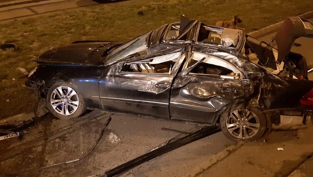 Lezuhant az M3-asról egy száguldó autó – fotók és videó a helyszínről
