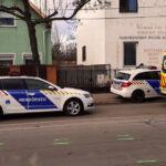 Újraélesztették az elgázolt nőt: felcsapódott a motorháztetőre, onnét a szélvédőre, majd az úttestre zuhant az asszony