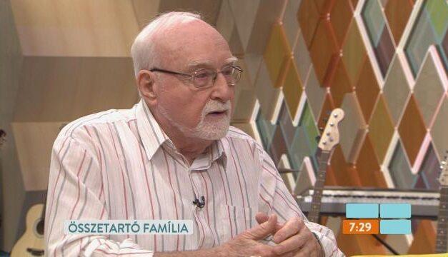 """""""Nem jártam el itthonról sehová, nem találkoztam senkivel"""" – elkapta a koronavírust a Família Kft. 93 éves sztárja"""